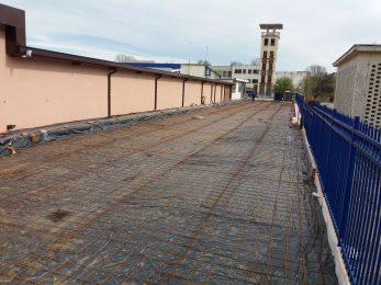 Шлайфан бетон път